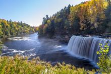 Tahquamenon Falls In Michigan'...