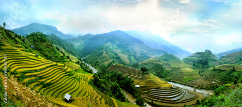 Fotobehang Rijstvelden Rice fields on terraced of Mu Cang Chai, YenBai, Vietnam. Rice fields prepare the harvest at Northwest Vietnam.Vietnam landscapes.