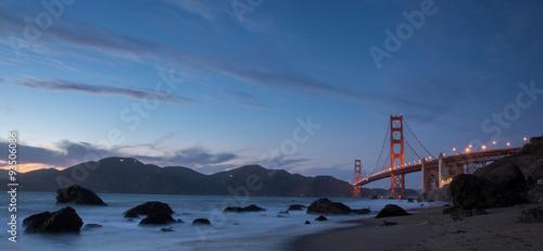 Keuken foto achterwand San Francisco Golden Gate Bridge and Marin Hills Panorama at Dusk. Marshall's Beach, San Francisco, California, USA.