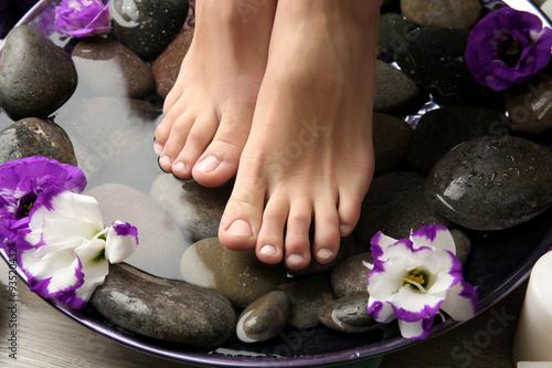 Foto op Plexiglas Spa Female feet at spa pedicure procedure
