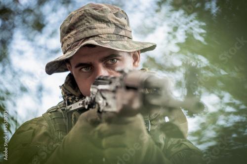 Pinturas sobre lienzo  Hunter with gun