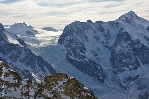 Valokuva  A view of Karaugom glacier and Mount Karaugom (Caucasus mountains, North Ossetia