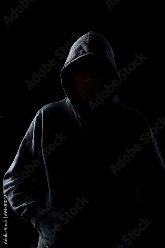 Fotografía  Faceless guy in hoodie in the darkness