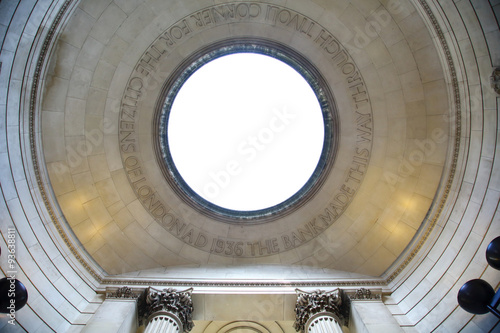 Deurstickers Artistiek mon. dettaglio del soffitto circolare di monumento Londinese