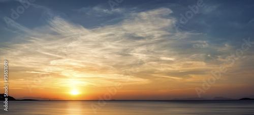 Photo  Traumhafter Sonnenuntergang am Meer