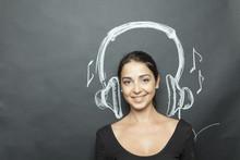 Bella Ragazza Simula L'ascolto Di Un Brano Musicale Tramite Cuffie Disegnate