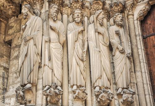 Fotografía  Catedral de Chartres, santos y apóstoles, gótico, Francia, Europa