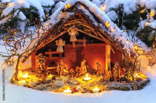 Fotografie, Obraz  Weihnachtskrippe im Schnee