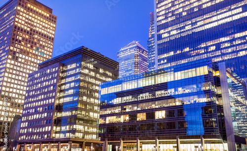 In de dag Berlijn Windows of Skyscraper Business Office, Corporate building in Lon