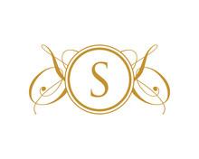 S Luxury Royal Elegant Logo