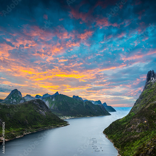 Cadres-photo bureau Scandinavie Track to Barden. Norwey,island Senja