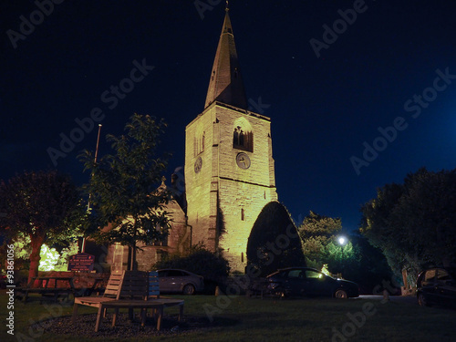Photo  St Mary Magdalene church in Tanworth in Arden at night