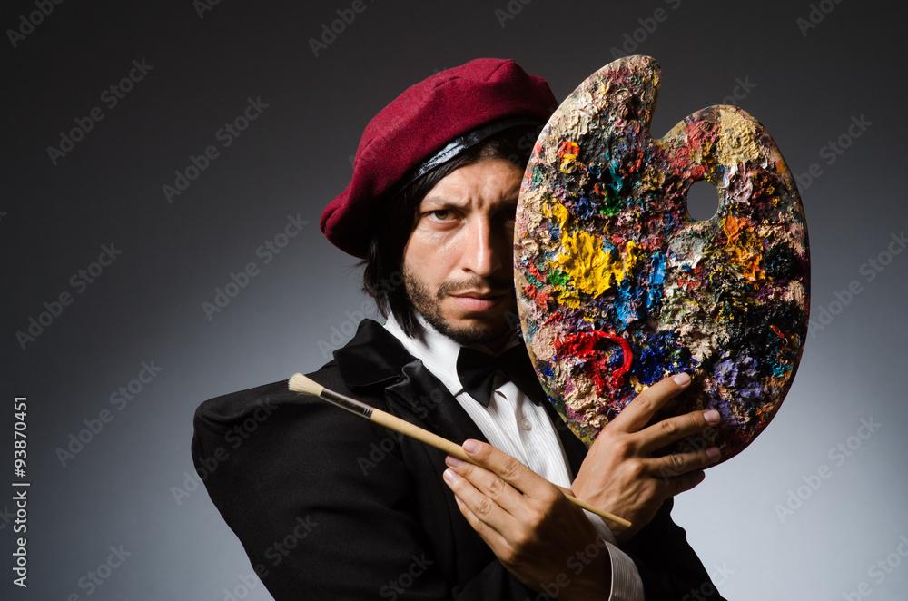 Fototapety, obrazy: Funny artist working in the studio