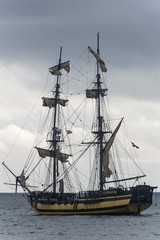 Fototapeta Środki transportu velero bergantín surcando el mar