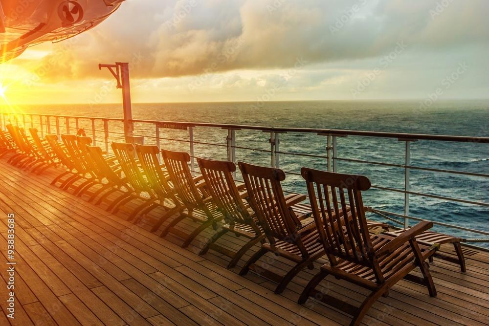 Cruise Ship Deck Chairs Foto, Poster, Wandbilder bei EuroPosters