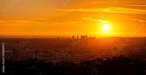 Photo  Stunning golden sunset cityscape of Los Angeles, California