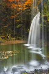 Panel SzklanyNabegataki Falls in Japan in autumn