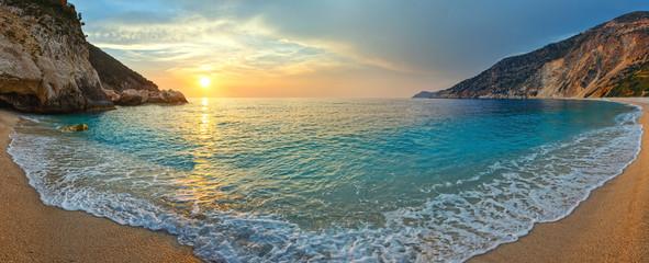 Fototapeta Współczesny Sunset on Myrtos Beach (Greece, Kefalonia, Ionian Sea).
