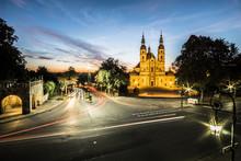 Dom Zu Fulda Mit Straßenverkehr