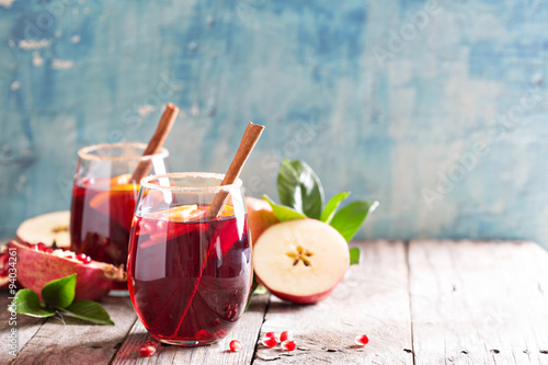 Cuadros en Lienzo Fall and winter sangria