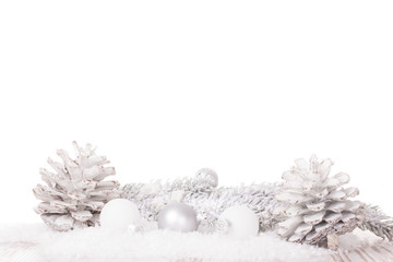 Weiße Weihnachtskugeln