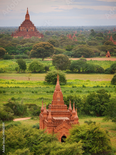 Photo  The plain of Bagan (Pagan), Mandalay, Myanmar