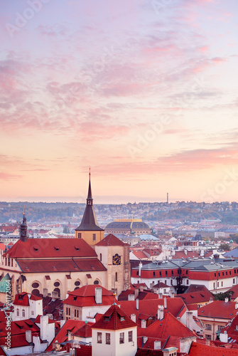 Photo Top view to red roofs skyline of Prague city Czech republic