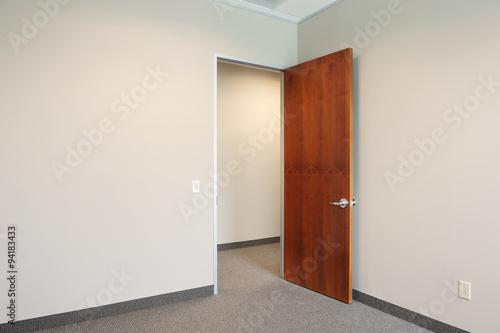 Fotografie, Obraz  empty office with door open
