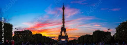 Foto op Aluminium Eiffeltoren Eiffel Tower at sunset in Paris