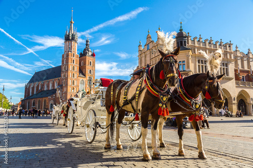 Fotografia Horse carriages at main square in Krakow