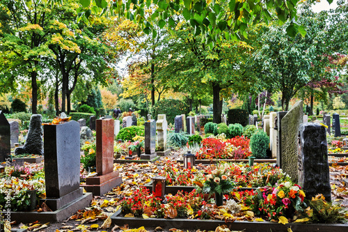 Poster Begraafplaats Graveyard in Autumn, Germany
