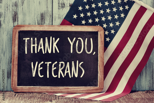 Cadres-photo bureau Etats-Unis text thank you veterans in a chalkboard and the flag of the US