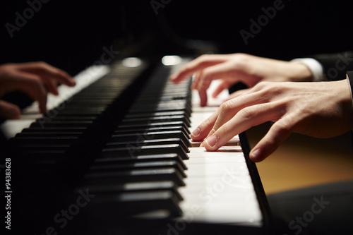 ピアノ - 94383628