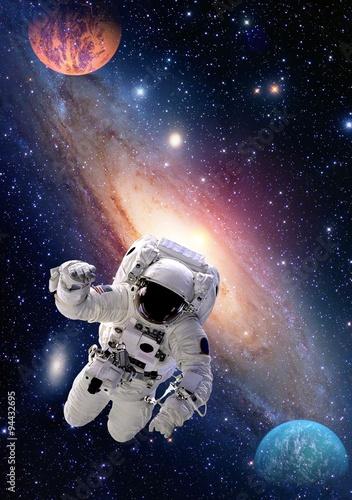 Zdjęcie XXL Astronauta kosmita kosmosu ludzie galaktyki planety układu słonecznego wszechświat. Elementy tego obrazu dostarczone przez NASA.