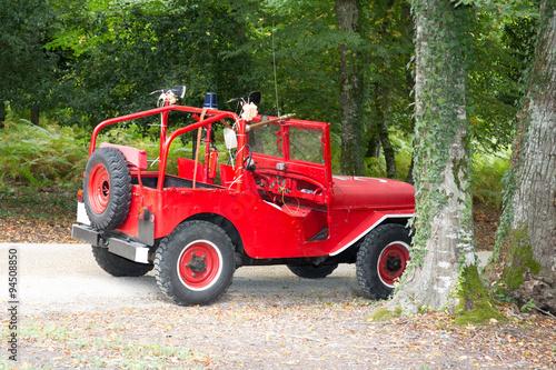 Photo  Photo of red jeep Wrangler