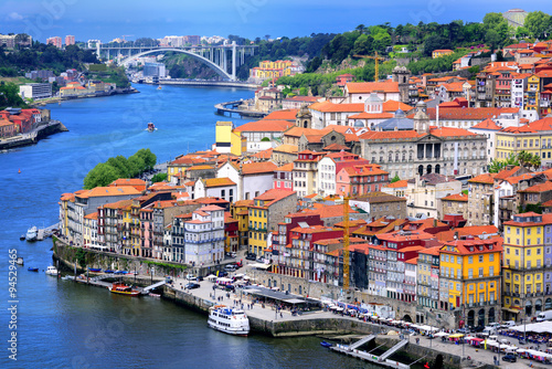 Photo  Ribeira, the old town of Porto, and the river Douro, Portugal