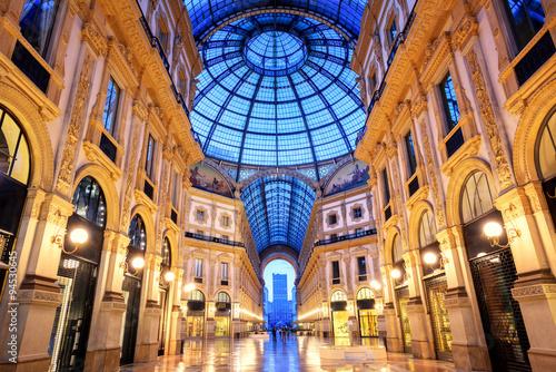 Spoed Fotobehang Milan Galleria Vittorio Emanuele II, Milan, Italy
