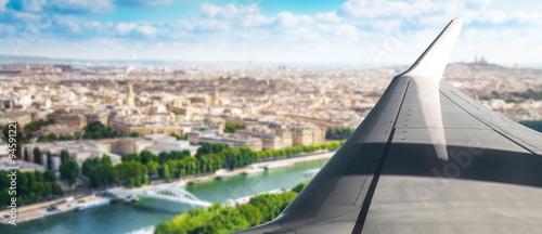 fototapeta na drzwi i meble volare sopra Parigi