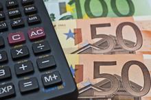 Eurogeldscheine Und Taschenrechner
