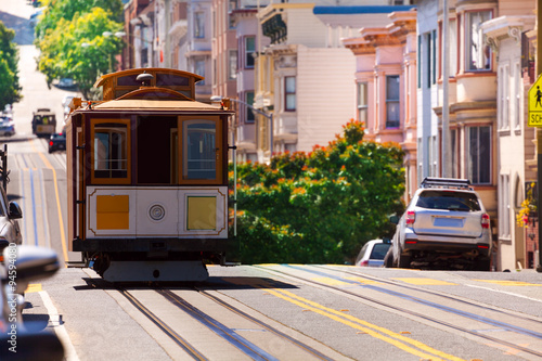 Cadres-photo bureau San Francisco View of Hyde street and San Francisco tram