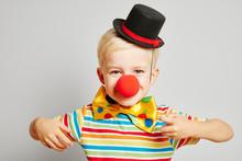 Kind Als Clown Verkleidet Zu Karneval
