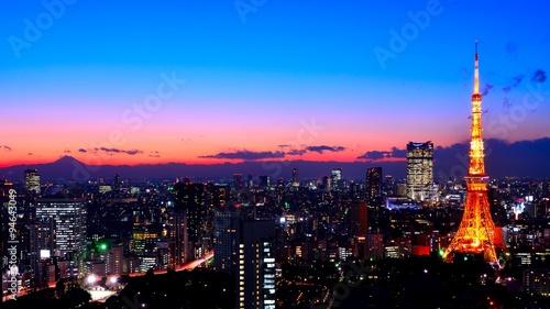 Poster Tokyo 日本 東京の都心のスカイラインと東京タワー 夕景