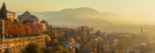 Fotografie, Obraz Panorama di Bergamo dalle mura di città alta