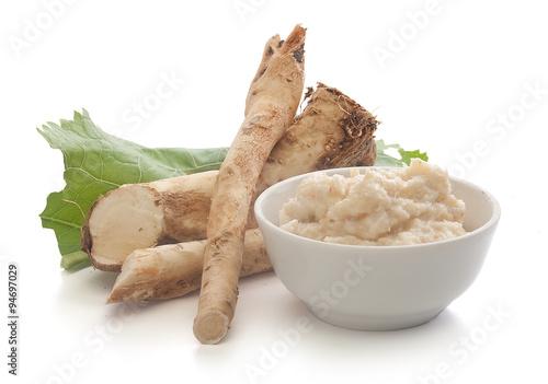 Canvastavla Horseradish's root and grated horseradish