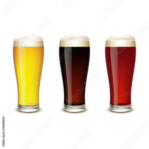 Photo  Set of glasses with beer