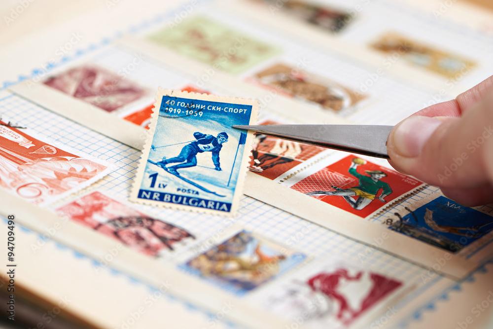 Fotografía Postage stamp with skier on album