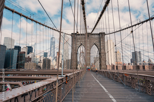 Keuken foto achterwand Bruggen Brooklyn Bridge in New York City with cloudy blue sky at day time.