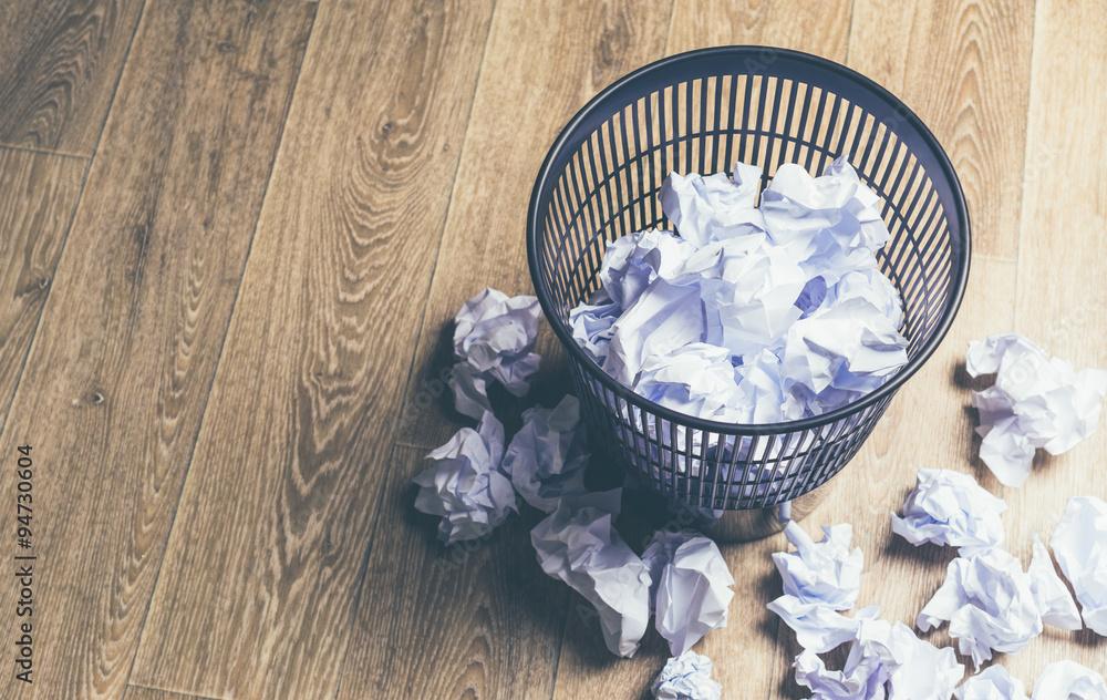 Fototapeta Paper balls in a bin