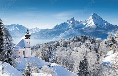 Leinwand Poster Winter wonderland with chapel in the Alps, Berchtesgadener Land, Bavaria, German