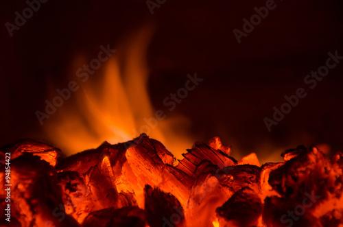 Staande foto Vulkaan Hot coals in the fire